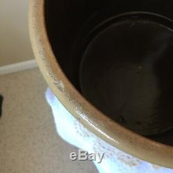 1800s SIGNED SALT GLAZE RED WING STONEWARE CO 2 GAL. CROCK WithCOBALT BEEHIVE