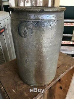 1 1/2 Gallon Solomon Bell Blue Decorated Stoneware Pottery Strasburg Virginia