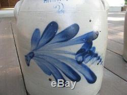 ANTIQUE BLUE DECORATED STONEWARE CROCK / LEWIS JONES, Pittston, Pa. 2 Gallon