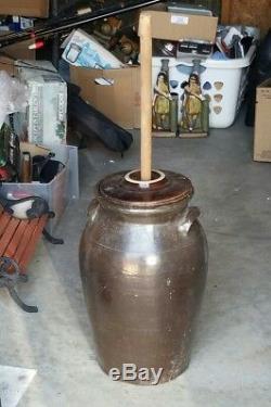 ANTIQUE PRIMITIVE BUTTER CHURN STONEWARE JAR CROCK 4 GAL WithDASHER Milk Churn