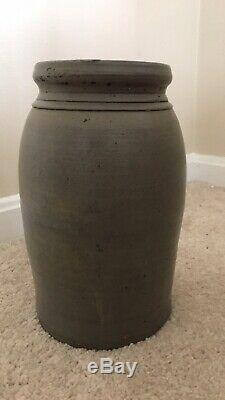 A. P. Donaghho Parkersburg WV Stoneware Wax Seal Jar Crock 8-1/2 STENCIL
