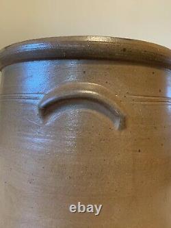 Antique 19th C 4 Gallon Salt Glazed Stoneware Crock Cobalt Blue Floral Design