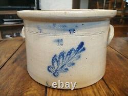 Antique 1 1/2 Gallon E & L P Norton Bennington VT Stoneware Crock Flower Design