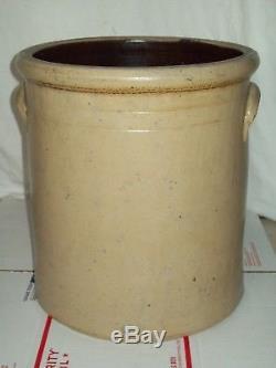 Antique 6 Gallon Primitive Redwing #6 Primitive Stoneware Crock