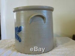 Antique Cobalt Blue Leaf 4 Gallon Stoneware Crock Evan R. Jones Pittston, PA