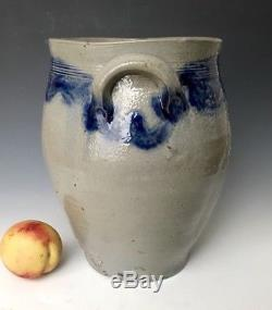 Antique Stoneware 2G Incised Ovoid Jar Crock with Cobalt Swags, NYC or CT, 1800s