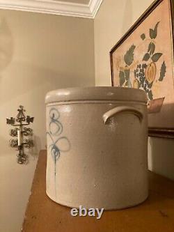 Antique / Vintage Salt Glaze Stoneware 3 Gallon Crock with Bee-Sting Design