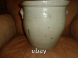Antique White & Wood Cobalt Blue Bird Decorated 4 Gallon Stoneware Crock, (j1)