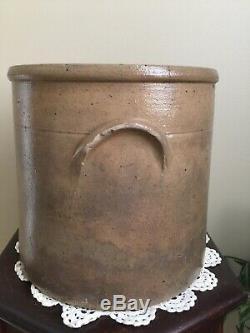 Antiques Salt Glaze 2 Gallon Cobalt Blue Beehive Motif Stoneware Crock