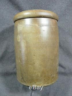 James Benjamin, Stoneware Depot, Cincinnati, Ohio 2 Gallon Stoneware Jar